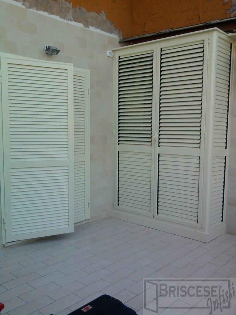 Casa immobiliare accessori armadi in ferro da esterno for Armadi da esterno happy casa